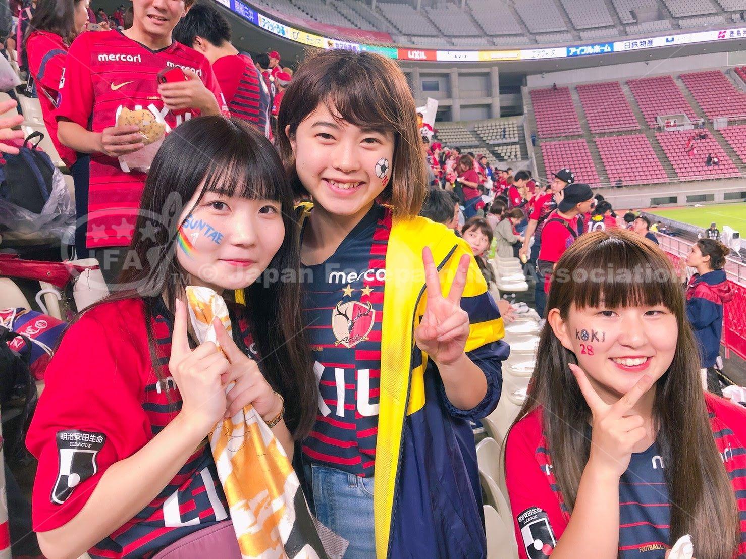 フェイスペイントサポーター_カシマスタジアム_鹿島アントラーズの画像